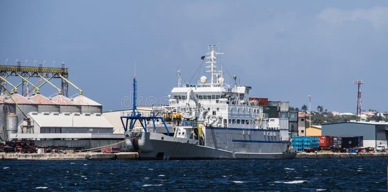 Visite de port de Willemstad photographie stock libre de droits