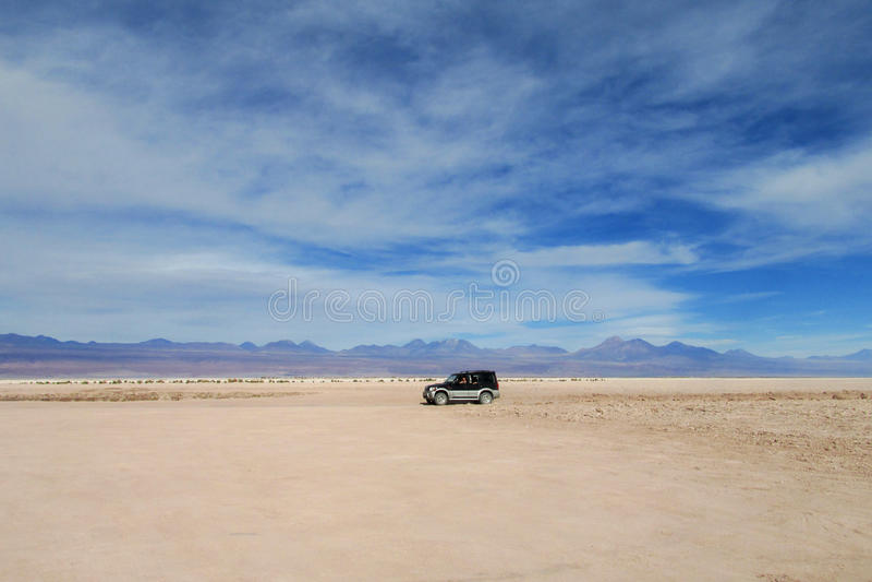Visite de voiture dans le désert d'Atacama, Chili image stock