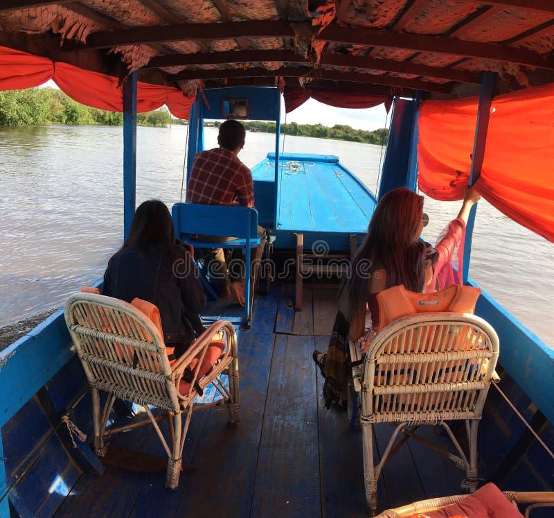 Visite du fleuve Tonle Sap photos libres de droits