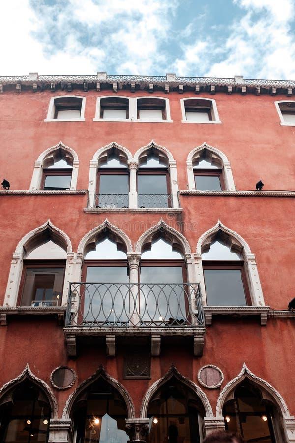 Visite vers Venise Maison lumineuse à Venise image stock