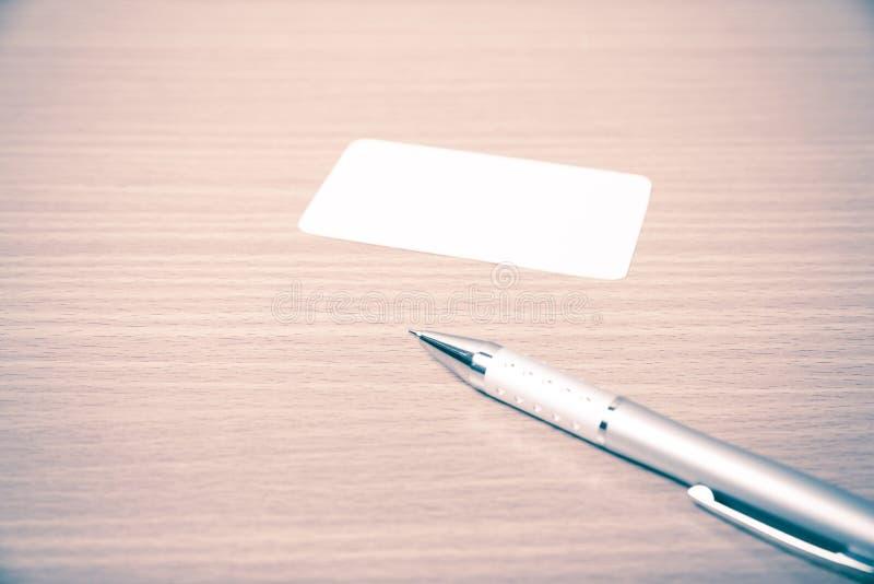 Visitenkarte- und Stiftweinleseart lizenzfreies stockbild