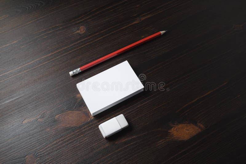 Visitenkarten, Bleistift, Radiergummi lizenzfreies stockfoto