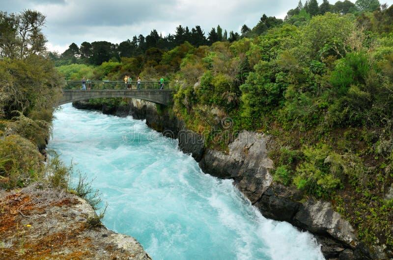 Visiteurs aux automnes de Huka, Taupo image libre de droits