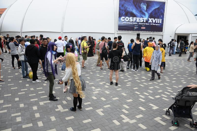 """Visiteurs chez Cosfest 2019 dans chapiteau de Singapour D est du centre """" images stock"""
