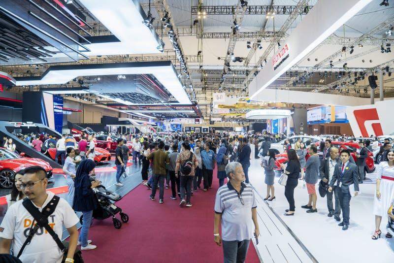 Visiteurs de foule marchant dans un hall de GIIAS 2019 images libres de droits