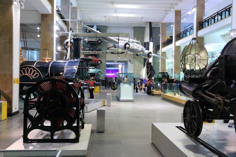 Visiteurs de musée de Londres photo stock