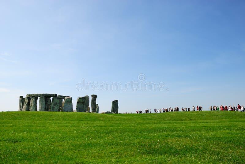Visiteurs de Stonehenge image stock