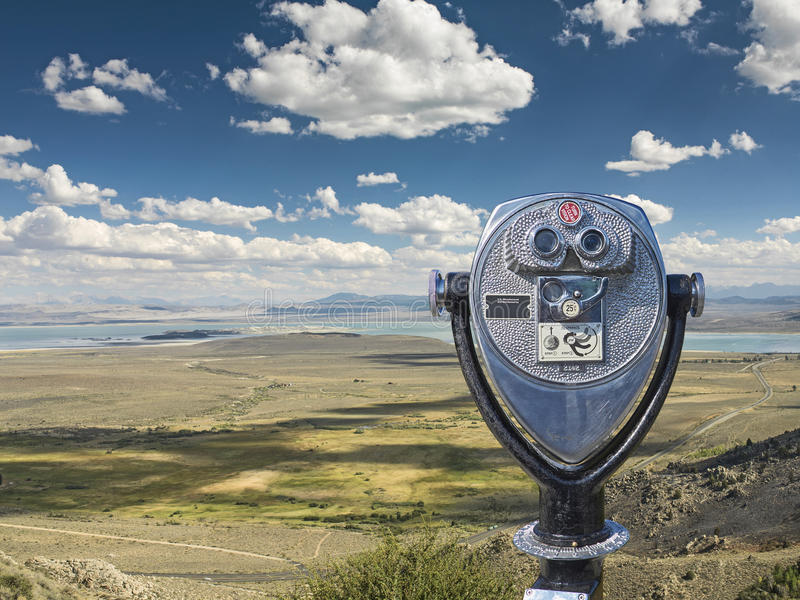 Visor binocular do mono ponto da vista do lago, Mono County fotografia de stock