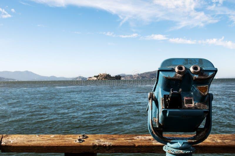 Visor da torre que negligencia Alcatraz imagem de stock