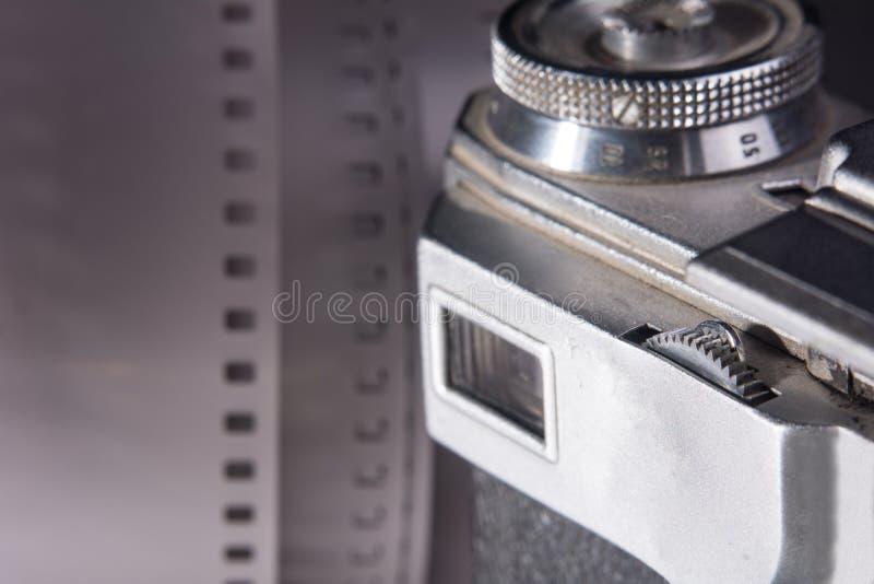 Visor do close-up de uma câmera velha do filme fotografia de stock