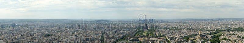 Visor do telescópio e skyline da cidade no dia. Paris, França fotografia de stock