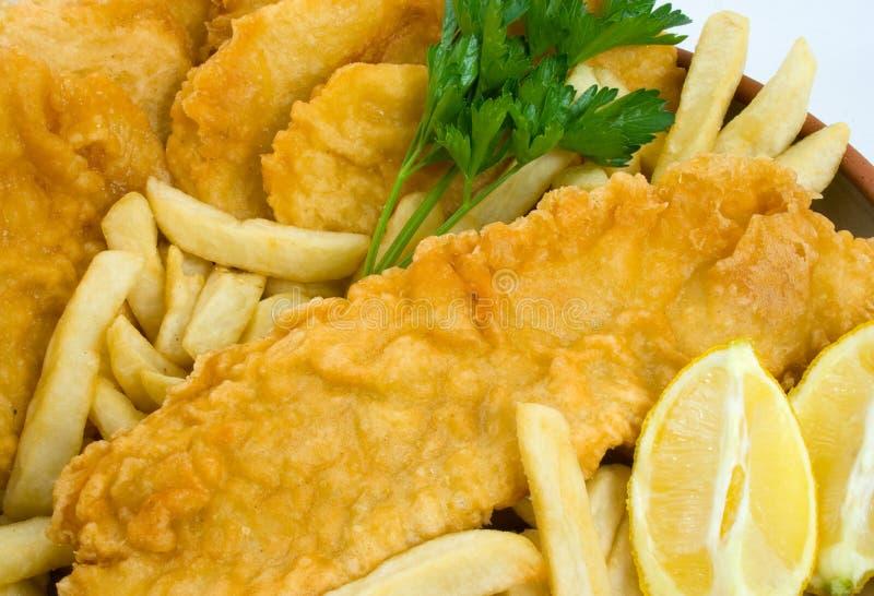 Vissen, Spaanders en de Cakes van de Aardappel stock foto's