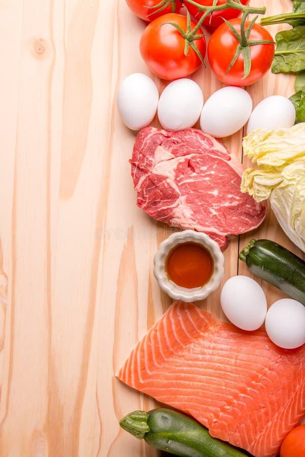 Vissen, vlees en groenten stock afbeelding