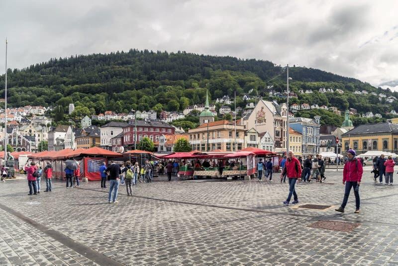 Vissenmarkt in Bergen stock foto's