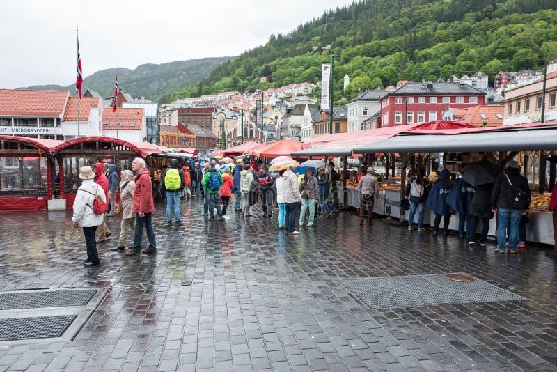 Vissenmarkt in Bergen stock afbeelding