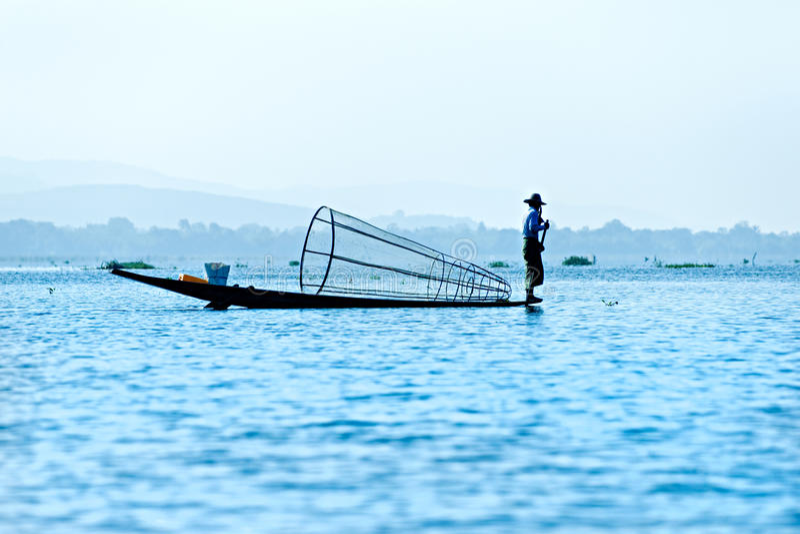 Visser in inlemeer, Myanmar. royalty-vrije stock foto