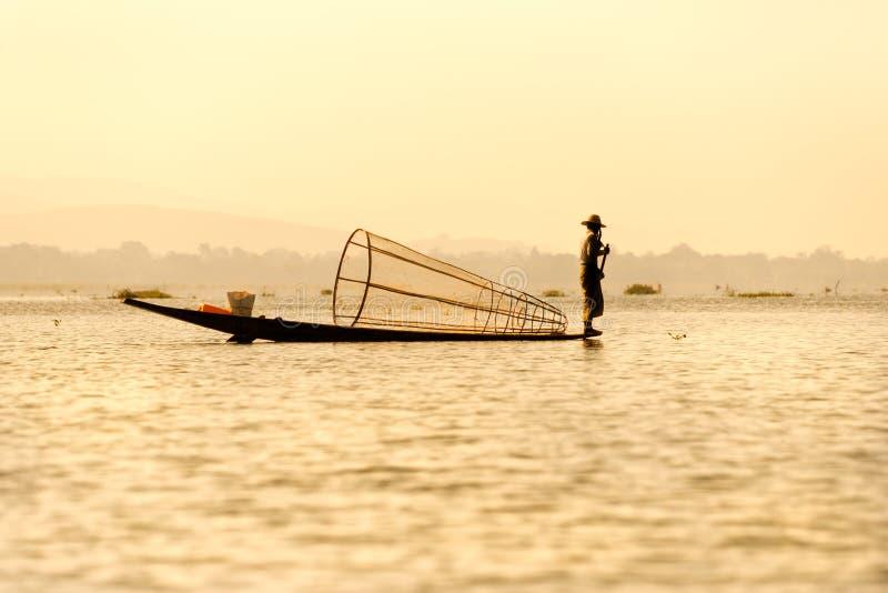 Visser in inlemeer, Myanmar. royalty-vrije stock foto's