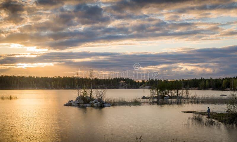 Download Visserij bij zonsondergang stock foto. Afbeelding bestaande uit contrasty - 54079622
