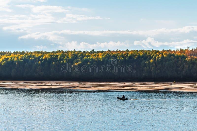 Visserij op de Ob-rivier Westelijk Siberië royalty-vrije stock foto's