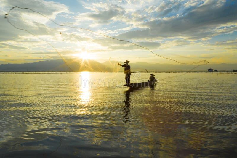 Vissers in meer royalty-vrije stock fotografie