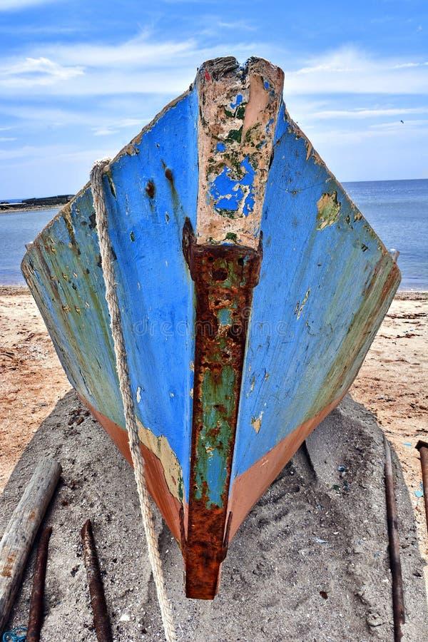 Download Vissersboot In De Zwarte Zee Stock Afbeelding - Afbeelding bestaande uit cruise, reis: 54082883