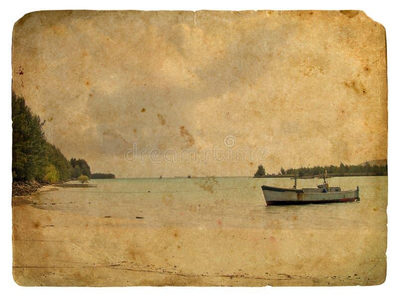 Vissersboot dichtbij de kust. Oude prentbriefkaar stock illustratie