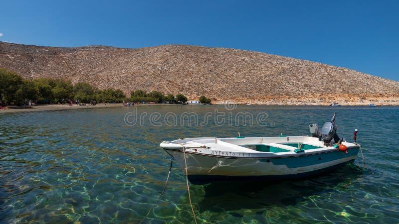 Vissersboot, op het Eiland Tinos, Griekenland royalty-vrije stock afbeeldingen
