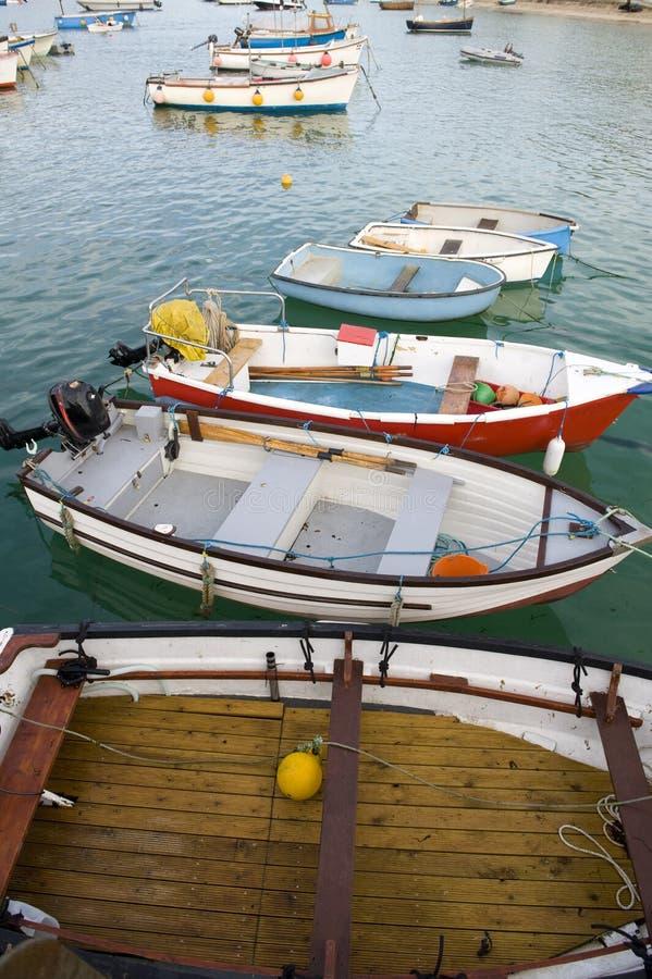 Vissersboten bij st ives stock afbeelding