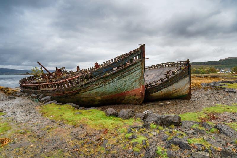 Vissersboten op het Eiland van Mull stock afbeelding
