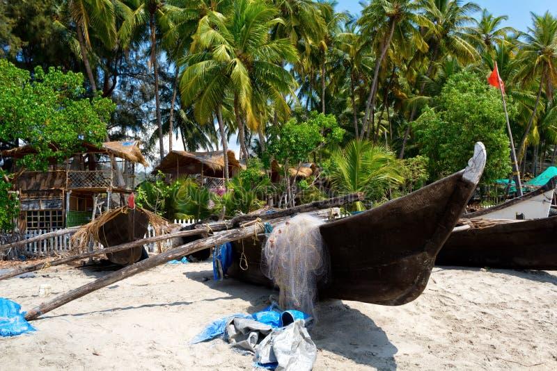 Vissersboten op het strand, Goa, India royalty-vrije stock fotografie