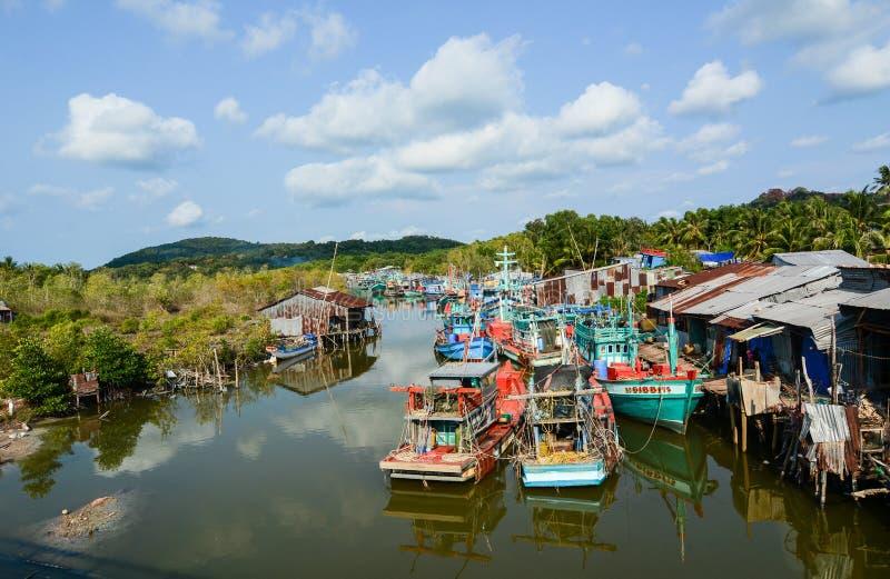 Vissersboten op overzees in Phu Quoc, Vietnam royalty-vrije stock afbeelding