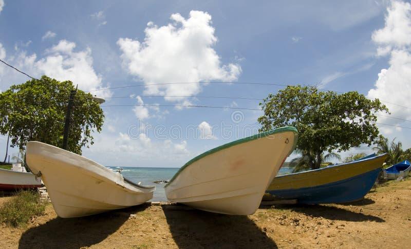 Vissersboten op strand Nicaragua royalty-vrije stock afbeeldingen