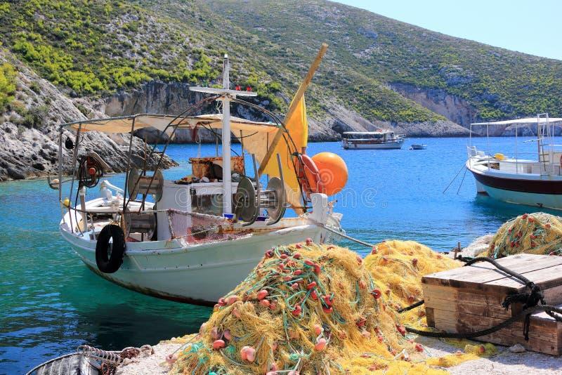 Vissersboten in Porto Vromi Anafonitria Zakynthos of Zante-eiland, Ionische Overzees, Griekenland royalty-vrije stock afbeeldingen