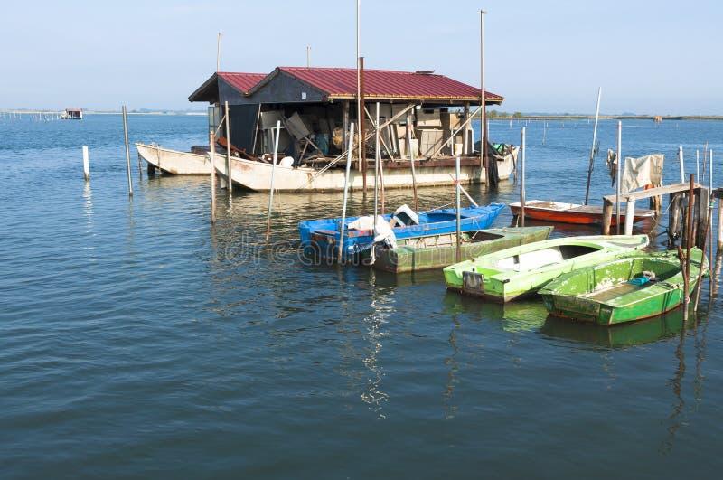 Vissersboten, van Po de lagune van het rivierestuarium royalty-vrije stock foto's