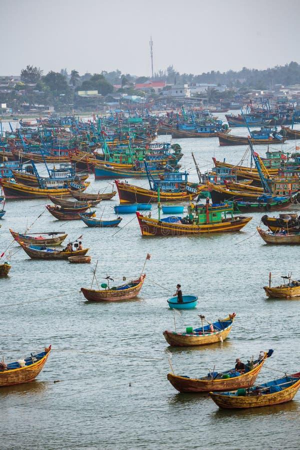 Vissersboten in Vietnam royalty-vrije stock foto