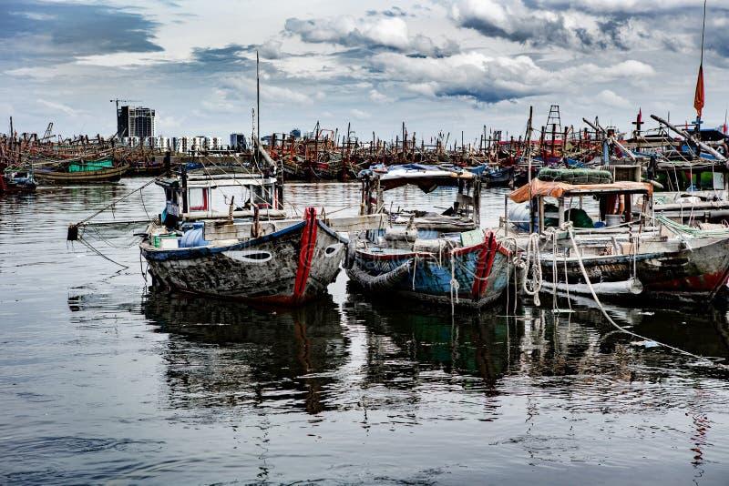 Vissershaven in danang in Vietnam stock afbeelding