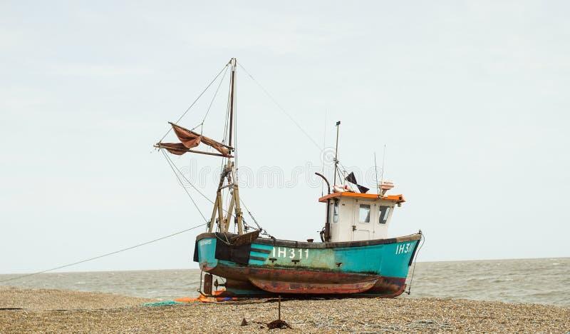 Vissersvaartuig Aldeburgh Suffolk stock foto