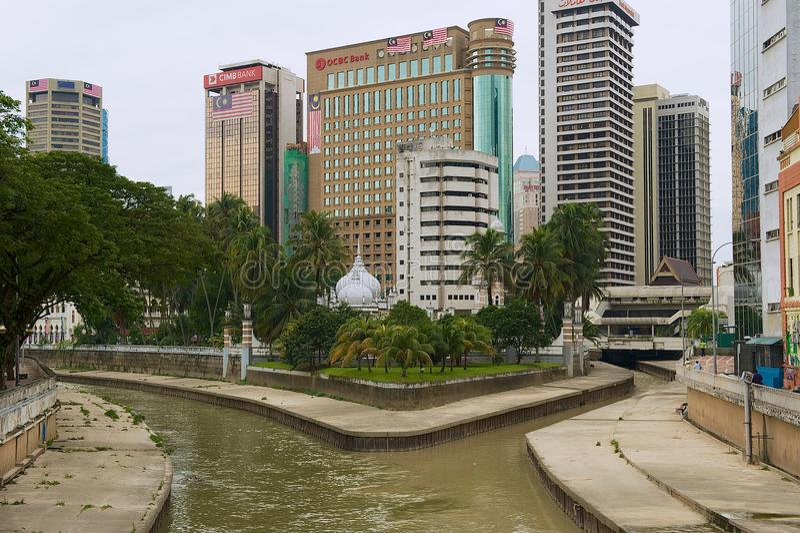 Vista à afluência dos rios de Klang e de Gombak em Kuala Lumpur, Malásia fotos de stock