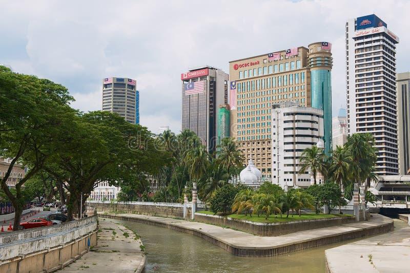Vista à afluência dos rios de Klang e de Gombak em Kuala Lumpur, Malásia fotografia de stock