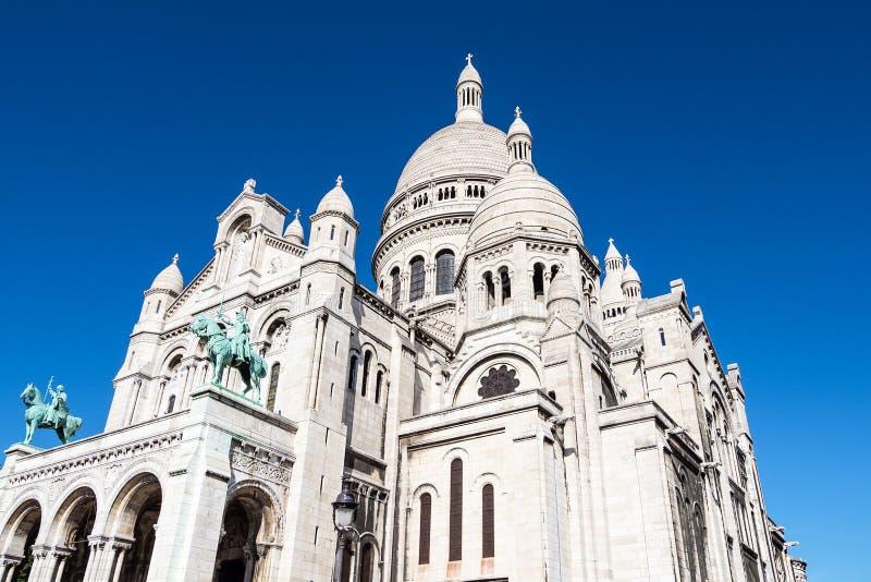 Vista à basílica Sacre-Coeur em Paris, França imagem de stock