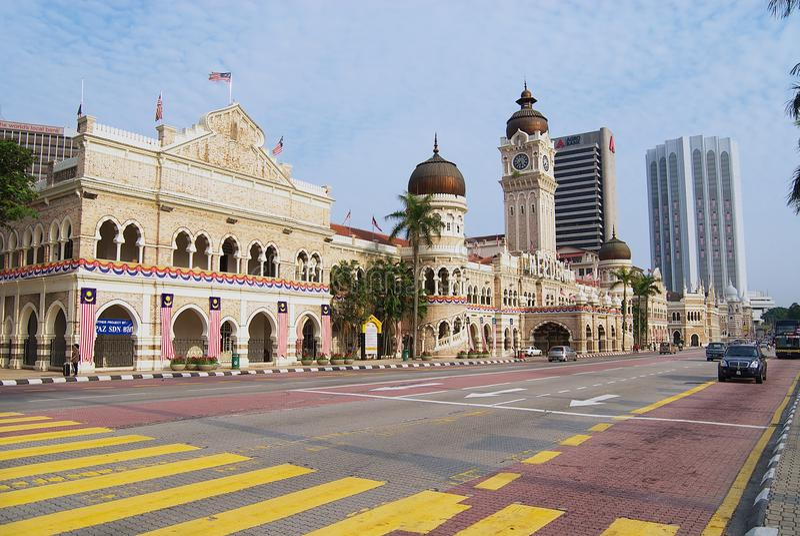 Vista à construção de Sultan Abdul Samad no quadrado Dataran Merdeka da independência em Kuala Lumpur, Malásia foto de stock royalty free