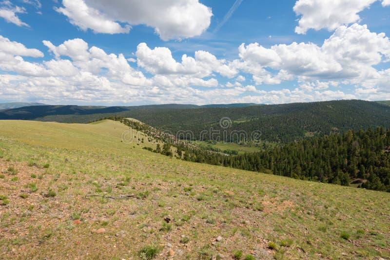Vista υψηλών βουνών στοκ φωτογραφία