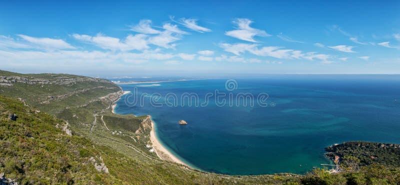 Vista aérea à praia de Portinho a Dinamarca Arrabida, Setubal portugal fotos de stock