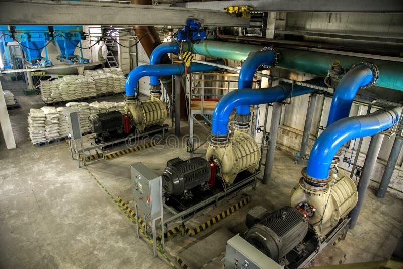 Vista aérea às bombas da estação de bombeamento do ar da planta de tratamento de águas residuais fotografia de stock royalty free