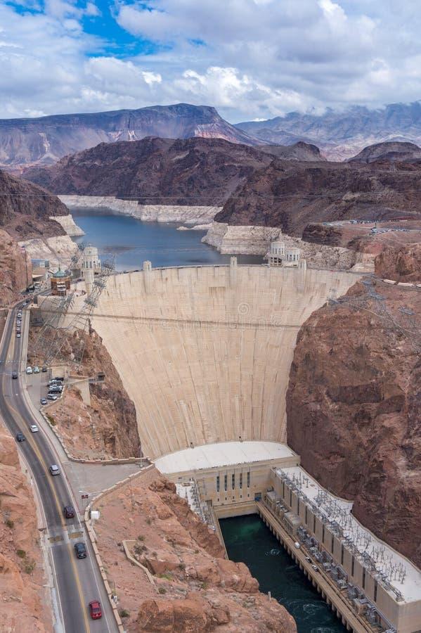 Vista aérea al río Colorado y a la Presa Hoover fotografía de archivo