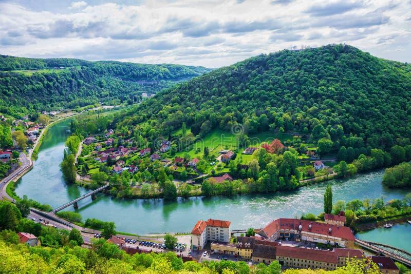 Vista aérea a Besancon na região França de Bourgogne Franche Comte imagens de stock