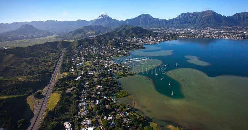 Vista aérea bonita de Kailua, de Oahu, de Havaí e de baía Oahu de Kaneohe, Havaí foto de stock