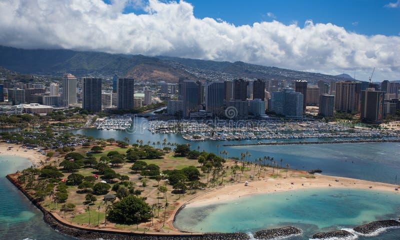 Vista aérea bonita do porto Oahu Havaí de Alá Moana Waikiki Honolulu foto de stock