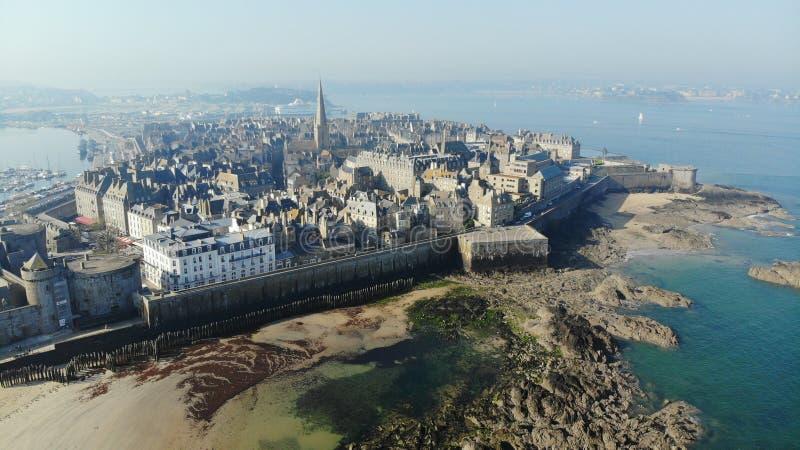 Vista aérea, cidade de Saint Malo, França imagem de stock royalty free