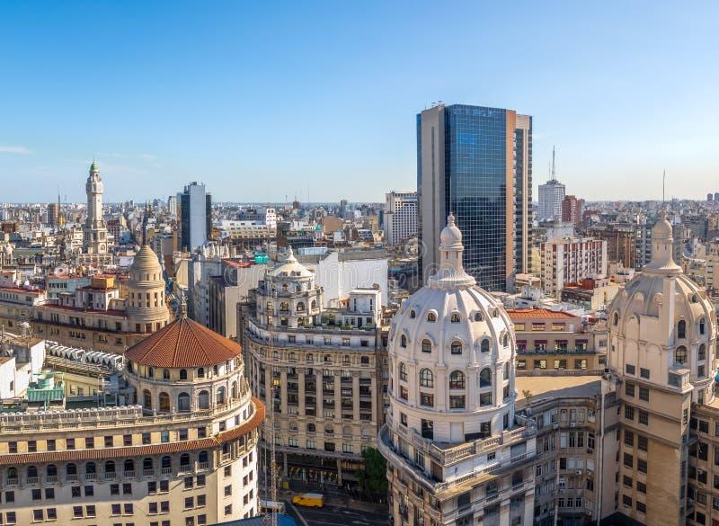 Vista aérea da abóbada do centro da construção de Buenos Aires e de Bencich - Buenos Aires, Argentina imagem de stock